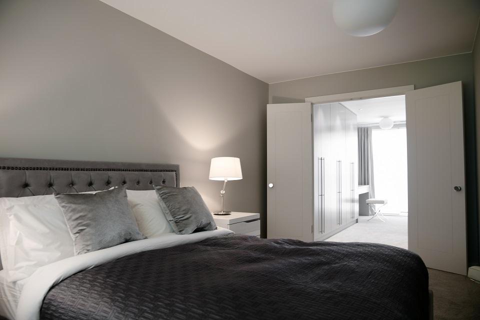 27 Bedroom D 6826-1
